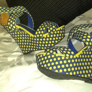 Cute blue and yellow Polk a dot wedges